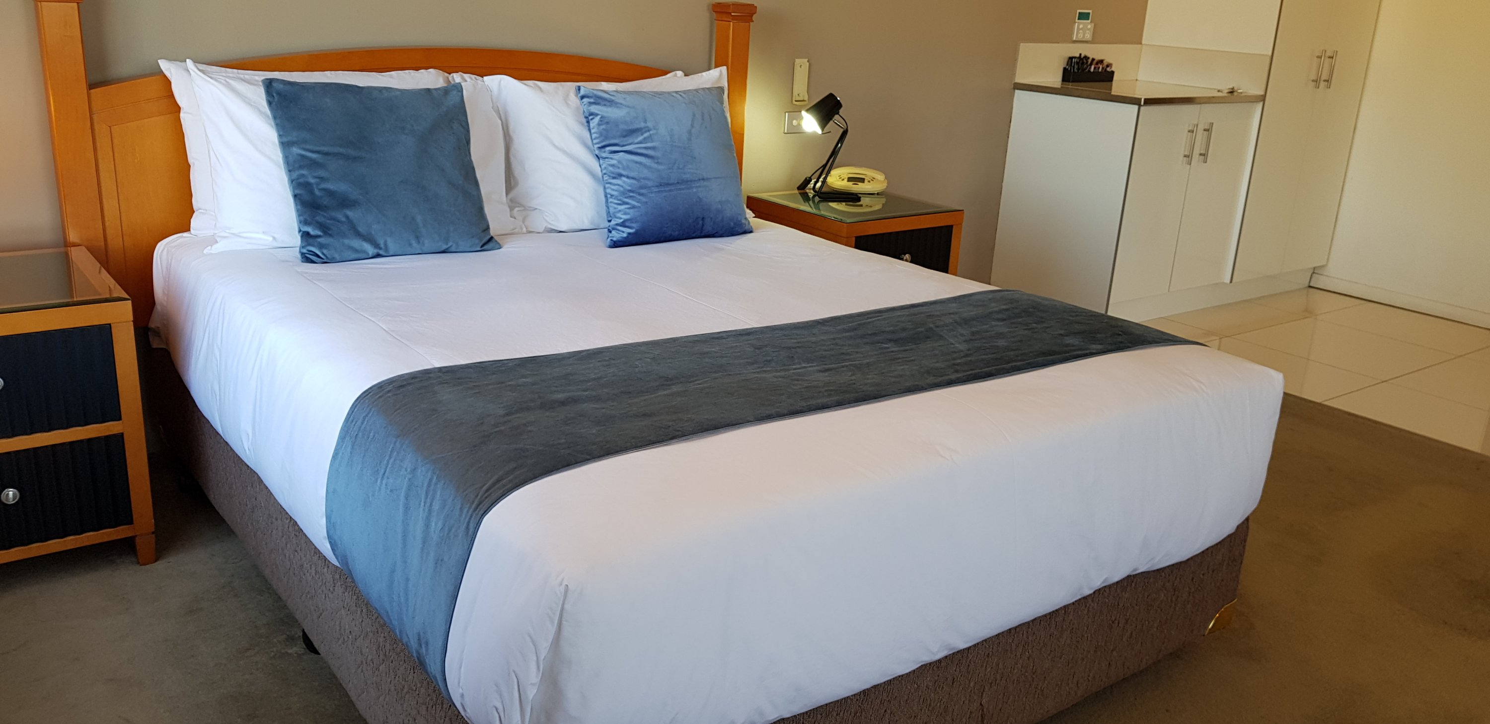 4 Star Queen Spa Suite Rooms In Griffith The Grand Motel